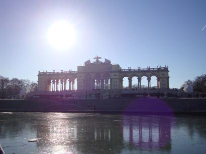 vienna-schonbrunn-palace-gate